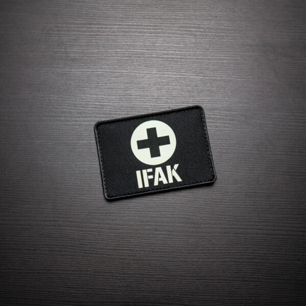 IFAK-Medic-Patch-Schwarz-Glow-in-the-Dark